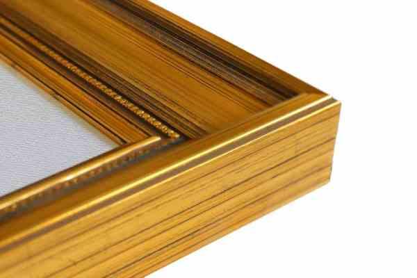klassischer Bilderrahmen Echtholz braun durchtrieben