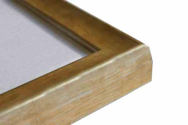 Stilvoller Holzbilderrahmen braunbeige auf Struktursilber